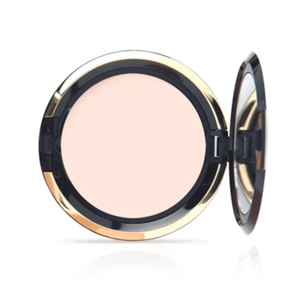 Compact Foundation – kompaktný make-up zo zrkadielkom a hubkou 1